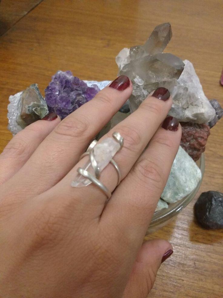 Punta de cuarzo cristal engarce en alambre de alpaca media caña, hecho a mano 😊