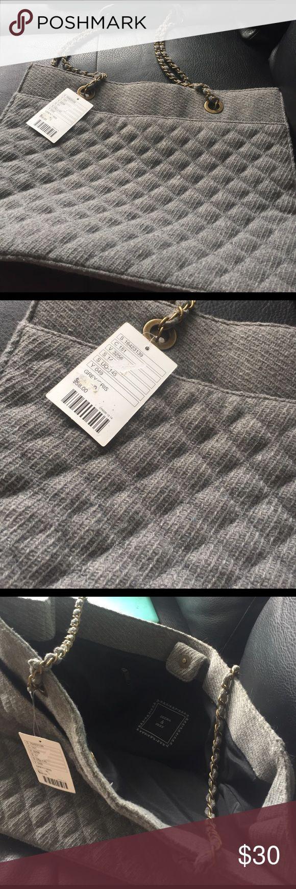 Deena & Ozzy sweater gray purse NWT Deena & Ozzy sweater gray purse NWT Deena & Ozzy Bags Shoulder Bags