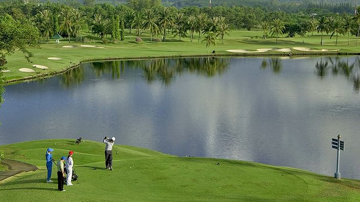 Established in 1989 and has the honour of the being the first golf course built on the island of Phuket.