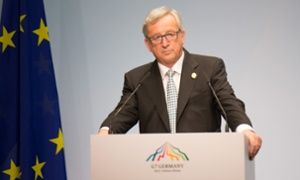 Jean-Claude Juncker accuses Alexis Tsipras of lying over bailout talks.(June 7th 2015)