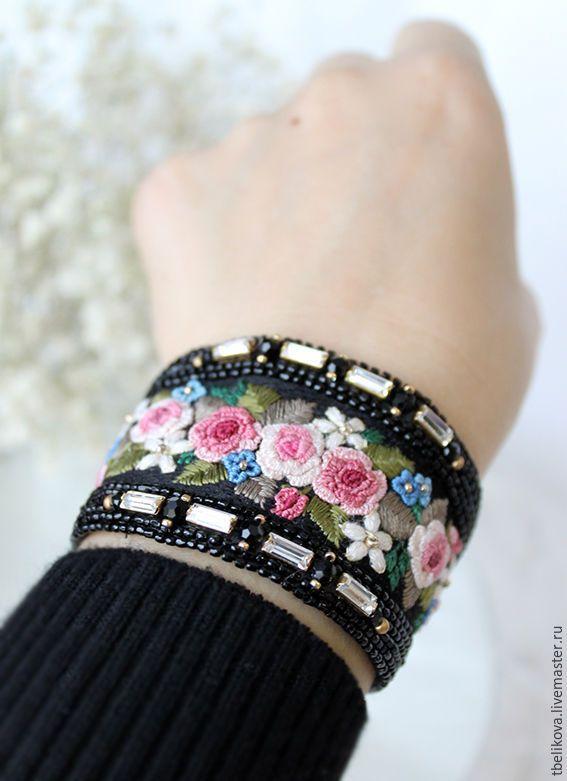 """Купить Браслет R2016-2 """"Цветочная поляна"""". - браслет, цветы, вышивка, вышивка шелком"""