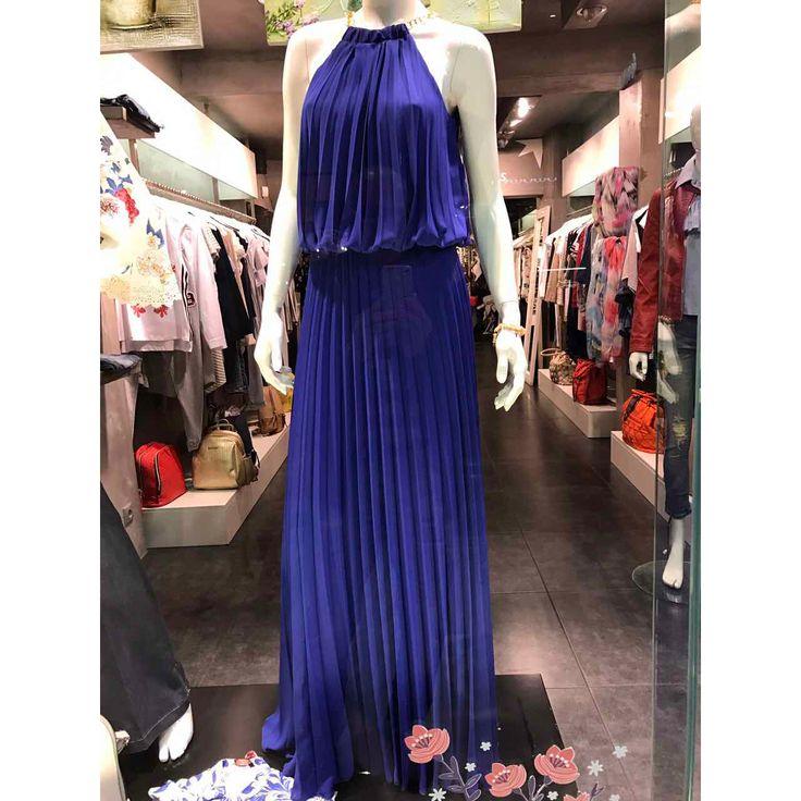 More #Maxi_pleated_dress with open back Διαθέσιμο σε S-M-L-Xl-XXL Παραγγελίες στο τηλέφωνο 2610314770 Eshop http://www.primadonna.com.gr