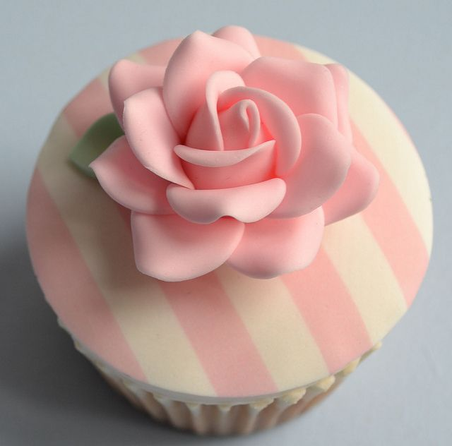 Vintage cupcakesPink Wedding, Cake Recipe, Vintage Cake, Wedding Cupcakes, Vintage Cupcakes, Cups Cake, Rose Cupcakes, Pink Cupcakes, Pink Rose