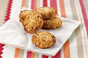 Baby Food Recipes: Banana & Apple Biscuits | Forbaby.co.nz