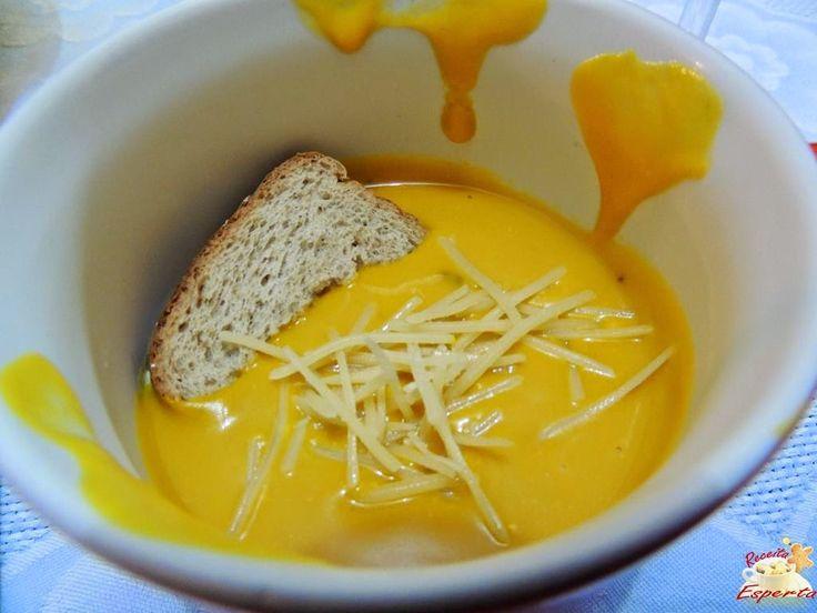 Aprenda a fazer um saboroso caldo de abóbora cabotia com cream cheese.