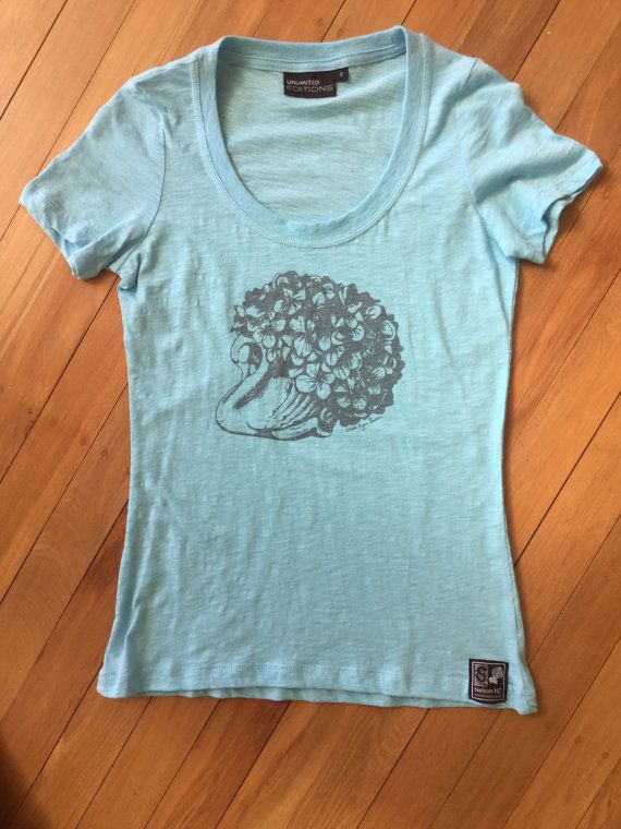 Crown Lynn Swan Ladies T Shirt by SonjaHandcraftedTees on Etsy. All designs are hand drawn and screen printed by Sonja in Nelson, New Zealand.