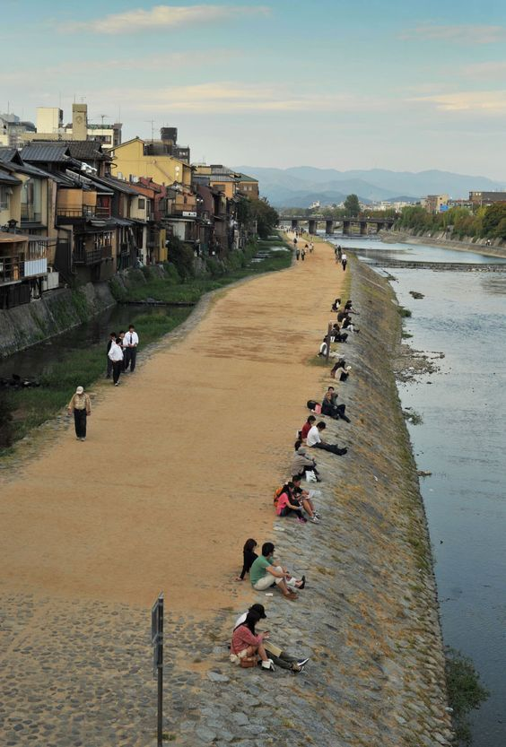 Kamogawa (Kamo River), Kyoto, Japan 鴨川, 京都, 日本: / A popular summer walking spot.