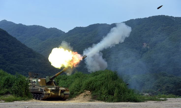 155mm shell fired from South Korean K9 Thunder self-propelled howitzer [4803 x 2880]