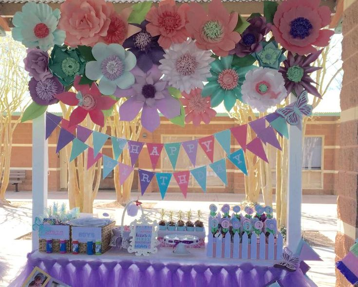 Butterfly garden 1st birthday | CatchMyParty.com