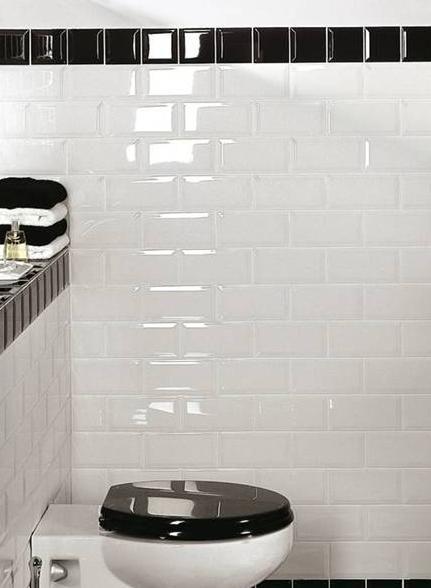 25 beste idee n over witte tegels in de badkamers op pinterest witte tegelvloeren badkamer - Zwarte badkamer witte ...