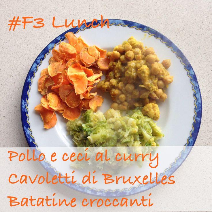 Dieta del supermetabolismo #DSM #pranzo #F3 Fast Metabolism Diet #lunch #F3 Pollo con ceci al curry, cavoletti di Bruxelles e batatine. Curry chicken with chick peas, Brussels sprouts, sweet potatoes chips.