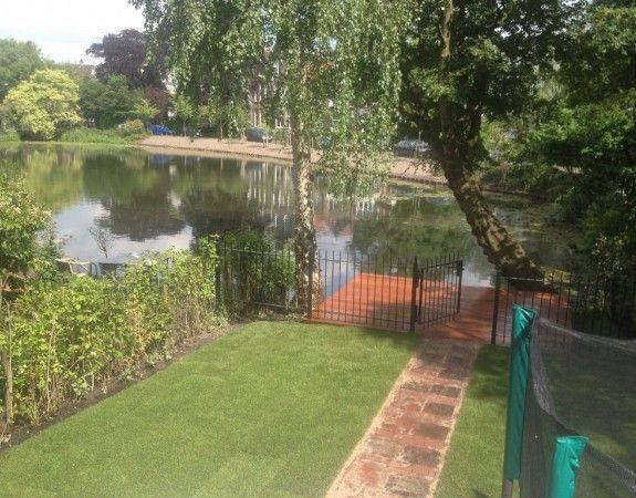 25 beste idee n over kleine zwembaden op pinterest dompelbad kleine tuin zwembaden en spoel - Klein natuurlijk zwembad ...