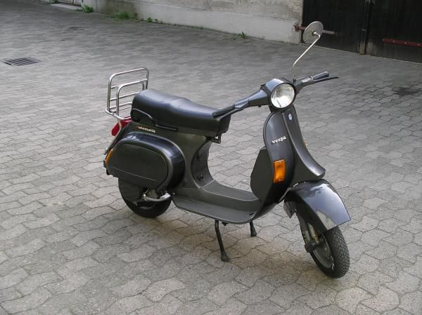 150 best images about vespa on pinterest scooter girl. Black Bedroom Furniture Sets. Home Design Ideas