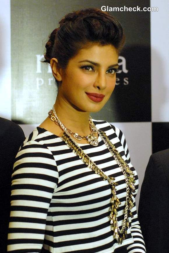 Priyanka Chopra Exudes Sexy Elegance in Monochrome Outfit #PriyankaChopra #Bollywood #Fashion #Style #Beauty #ShahRukhKhan #India #AmitabhBachchan