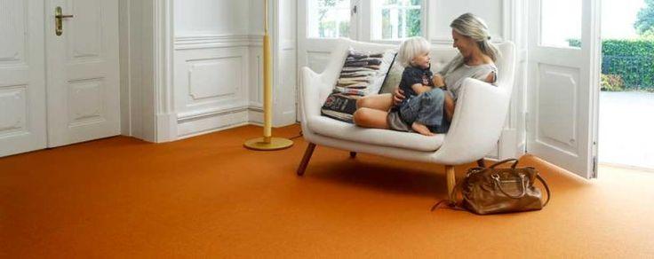 Klasický interiér s oranžovým kobercem / Classic interior with orange carpet, Boca Praha http://www.bocapraha.cz/cs/produkt/599/ox/
