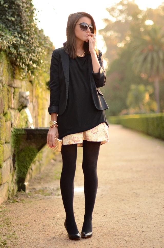 : Fall Style, Fashion Fau, Shorts Tights, Fashion Inspiration, Black Gold, Black Tights, Simple Outfits, Black Nylons, Black Blazers