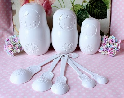 Matroyska Doll Measuring cups and spoons
