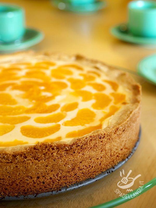 Cimentatevi nella ricetta Crostata di crema e mandarini, nota in Germania con il nome di #crostatadicrema #crostatadimandarini