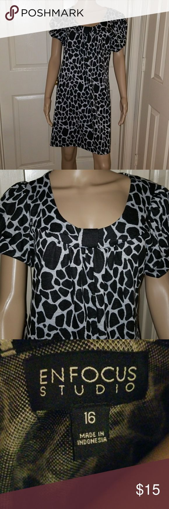 Stunning Black Animal Print Dress Short Sleeve, Loose fit, Above the knee, Size 16, but fits more like a 14. Enfocus Studios Dresses Mini