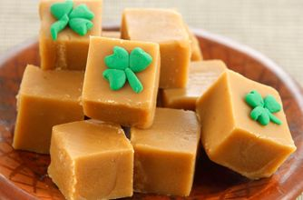 Irish Whiskey Fudge--gotta find a bunch of these kind of recipes to use up all the Jameson's I bought for hte Irish Car Bomb cupcakes