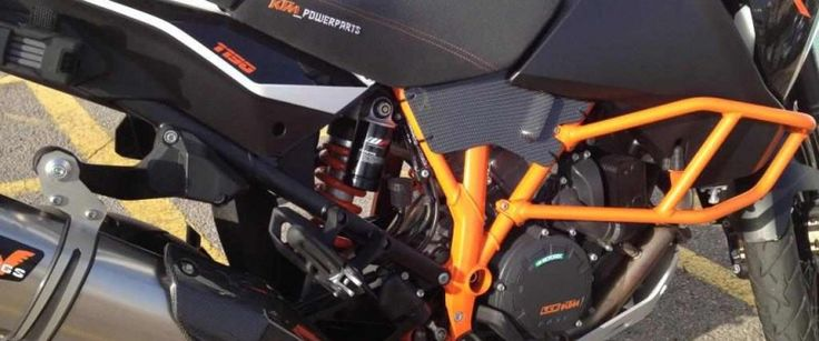 moto KTM carbono