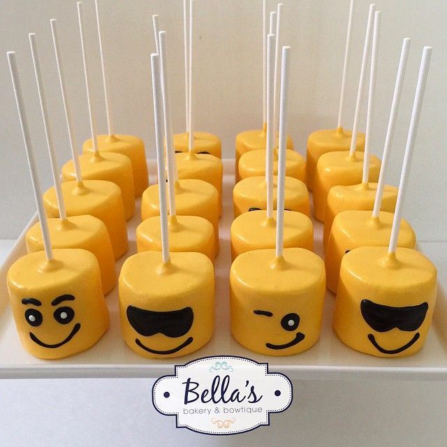 Yummy emoji marshmallows for @notjustamommyblog and a fun graduation theme!! Check out her page for more pics. #emoji #emojis #emojigraduation #graduation2015 #gradparty #graduation #graduationparty #emojitheme #bellabakery