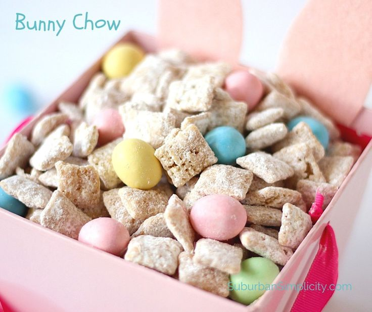 Bunny Chow with Chex Mix Cereal | Easter Muddy Buddies Recipe - It's easy to turn your Muddy Buddies into an Easter Treat - Bunny Chow! This tasty Chex Mix recipe idea is good for parties or just snacking #MyRecipeMagic #snack #easter #easy