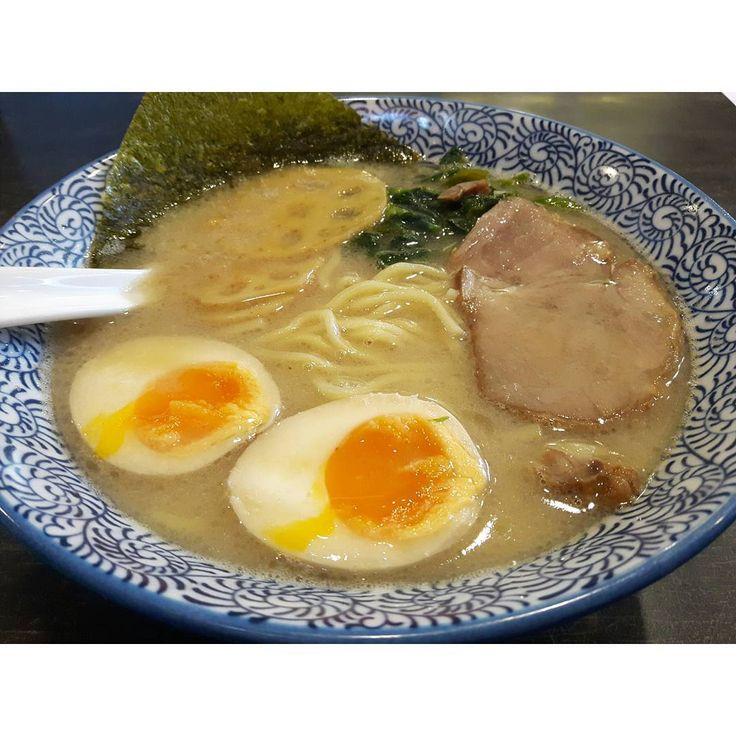 ** 私の1番のお気に入りのラーメン屋さん😎😋✨ 今年最後の訪問になるかな😂😂 * #お昼ご飯 #昼食 #ランチ #ラーメン #らーめん #拉麺 #🍜 #家系ラーメン #菜な笑 #おいしい #美味しい #グルメ * * #japanesefood #food #yum #yummy #instafood #instagood #instapic #delish #delicious #tasty #eat #eating #hungry #foodpics #gourmet #ramen #noodles