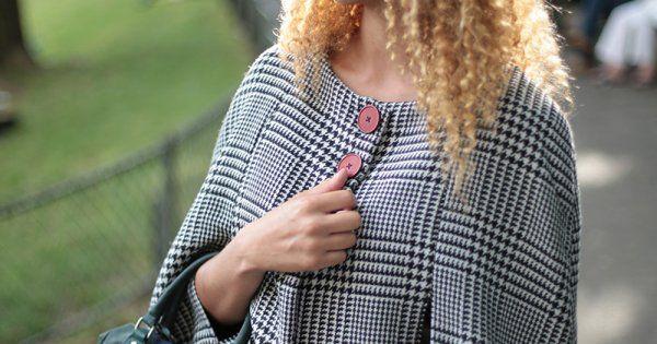 Téléchargez le patron de couture gratuit de cette cape pour réaliser votre manteau de l'automne 2015! Très tendance, cette cape sans manche s'accordera à toutes vos tenues. Son patron se décline en tailles 38, 40 et 42.