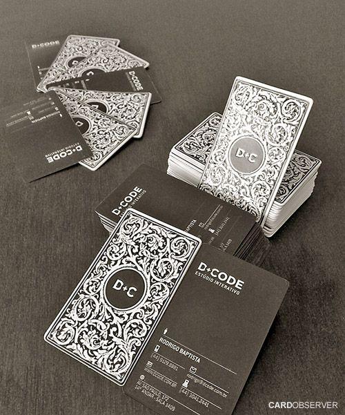 Discretos, sóbrios, criativos e sofisticados.  Uma seleção de cartões de visita pretos para você se inspirar.