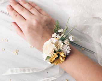 Ramillete de muñeca flores, girasoles, ramillete de la muñeca de las damas de honor, pulsera de la flor, ramillete de la novia, ramillete de novia, boda Bohemia, rústico