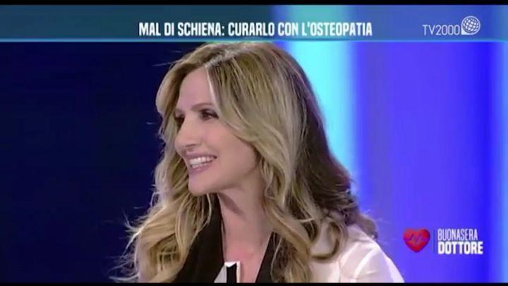 """Dr Gabriele Benedetti (@dr.gabri) su Instagram: """"@lcuccarini e il Dr #gabrielebenedetti ci parlano di mal di schiena a #buonaseradottore ⚕️"""""""