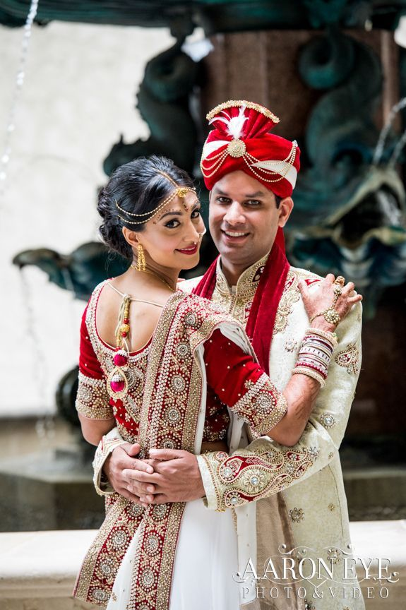 Indian Wedding With Gorgeous Dresses From India