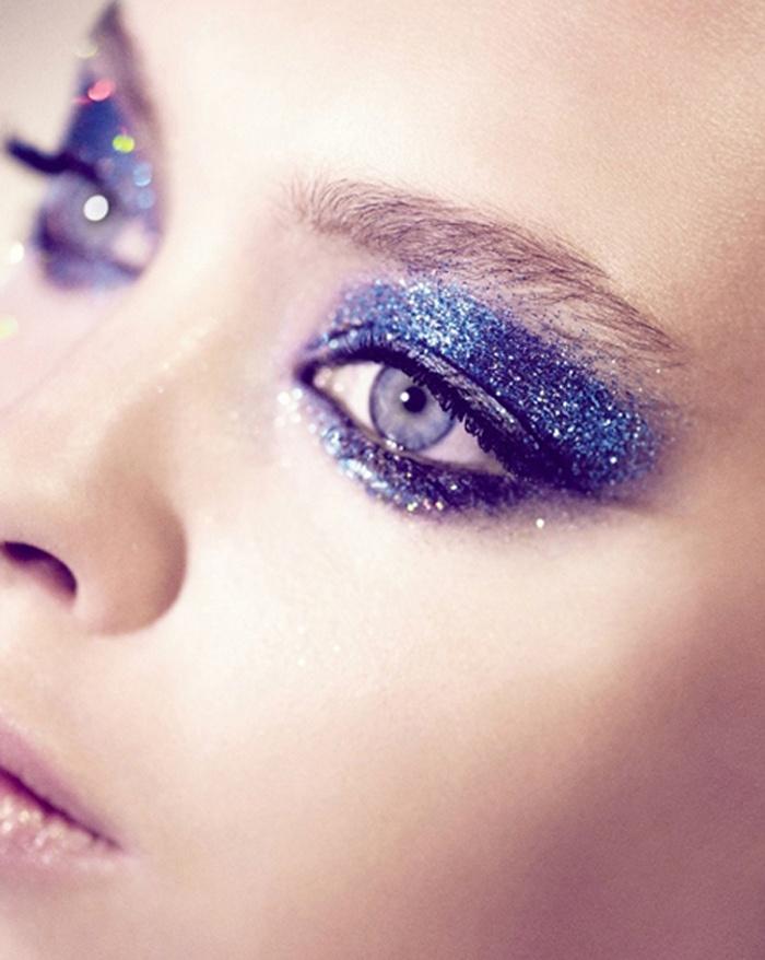 maquiagem-de-carnaval-glitter-azul-petroleo