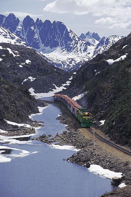 White Pass and Yukon Route http://pixdaus.com/white-pass-and-yukon-route-trains/items/view/23781/