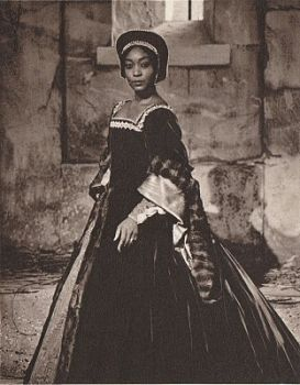 """Gloria Davy, a rich-voiced (lirico-spinto) soprano who """"sang for the sheer joy of singing"""" had a four decade career as a concert singer. Early in her career she replaced Leontyne Price as Bess in the 1954 international tour of Porgy and Bess. In 1958 she broke color barriers when she was chosen for the lead in Aida with the Metropolitan Opera. After moving to Europe she gained international recognition for singing, acting, and teaching."""