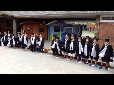 Diploma-uitreiking oudste kleuters - YouTube