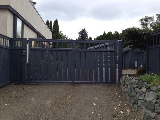 Best custom drive gates by southeastern ornamental
