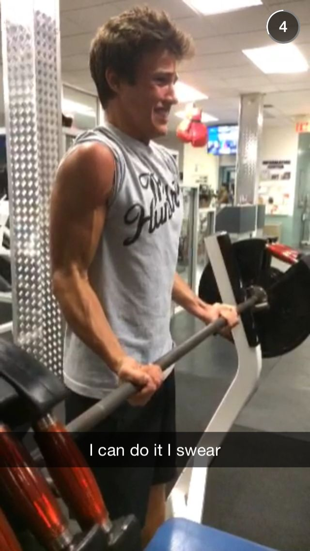 IMAGINE: Cameron trying to impress you at the Gym and Nash Snapchatting you this pic ;)