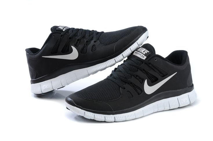 2013 Nike Free 5.0 V2 Black White Mens shoes-www.cheapshoxshoessale.net
