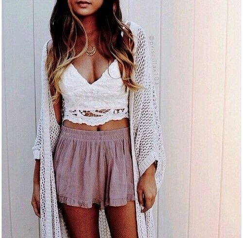 I want her shirt for Luke...with Black shorts...I could pull that off..not too much tummy!