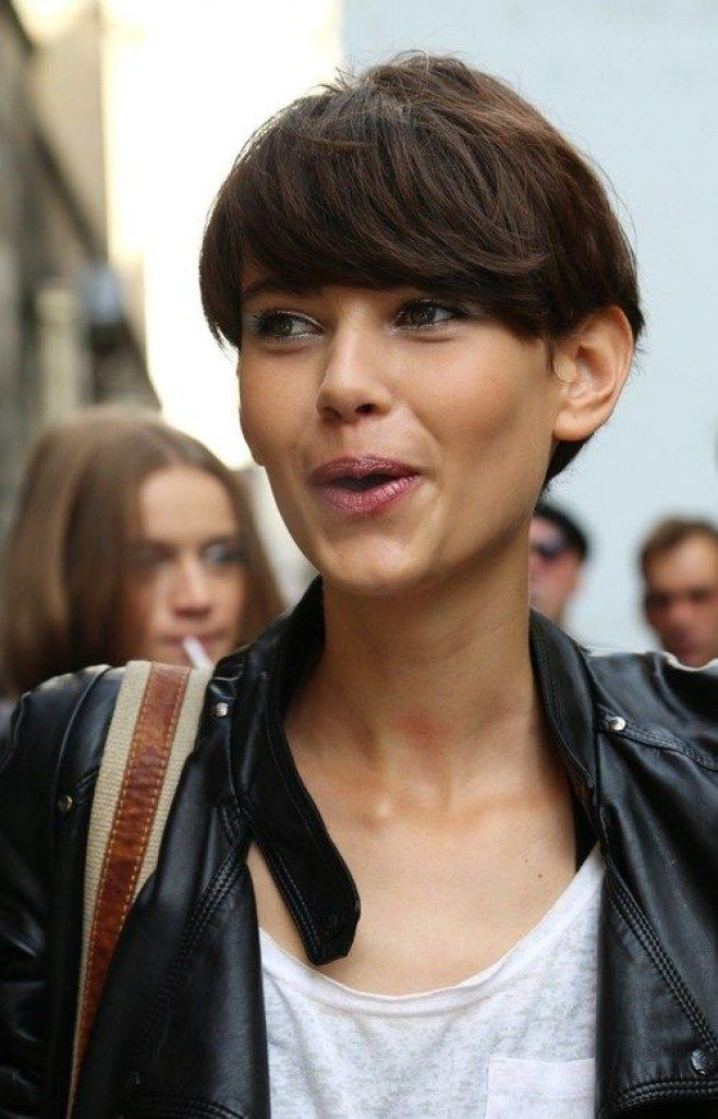 Pixie cut con frangetta, tra i tagli corti top dell'estate 2017