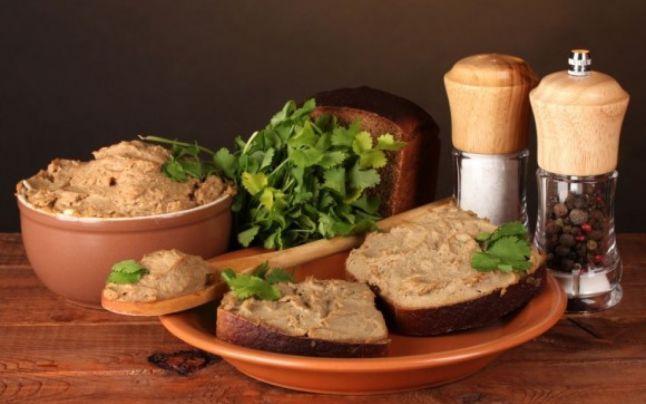 Pate de ficat de casă – simplu, sănătos, gustos!