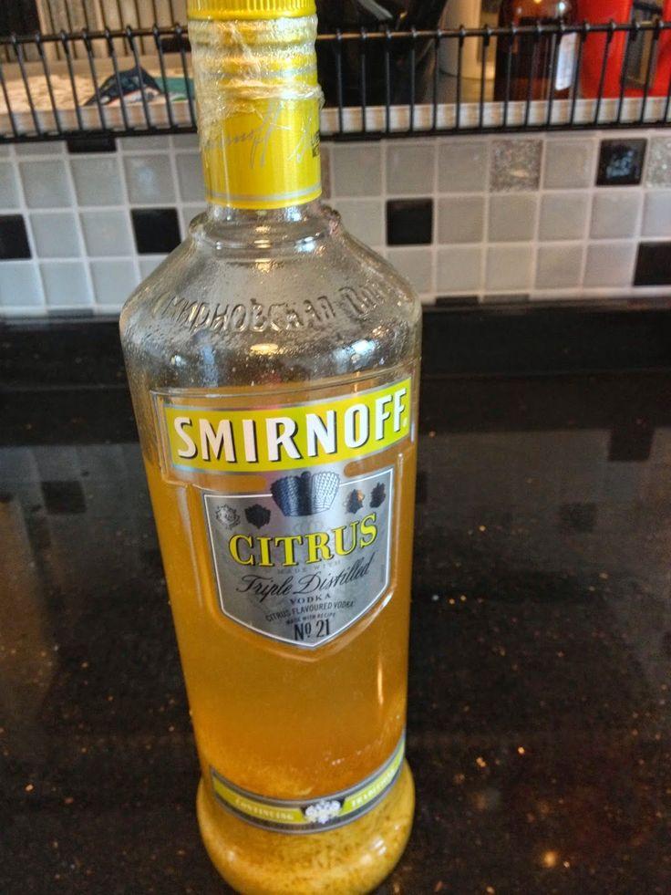 Bu gün İtalya'nın meşhur ferahlatıcı lezzeti Limoncello'nun nasıl yapıldığını adım adım anlatacağım. Hem klasik tariflere sadık kalırken h...
