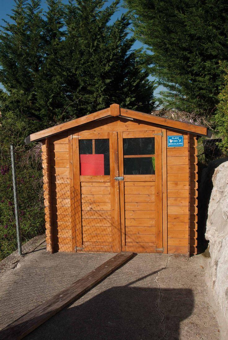 Caseta de madera de dos puertas