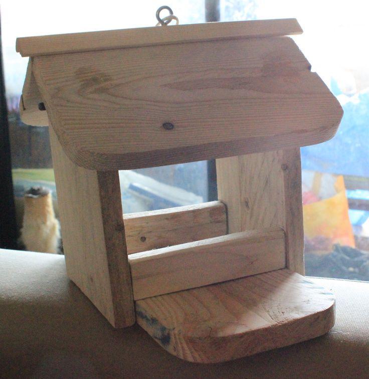 Les 25 meilleures id es de la cat gorie fabriquer mangeoire oiseaux sur pinterest mangeoire - Fabriquer mangeoire oiseaux sur pied ...