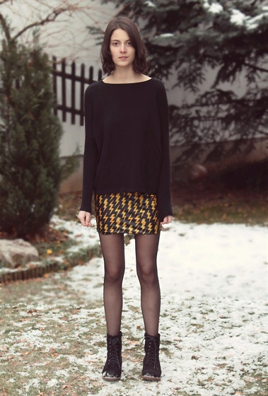 Thunders (by Nory Aradi) http://lookbook.nu/look/4340643-thunders