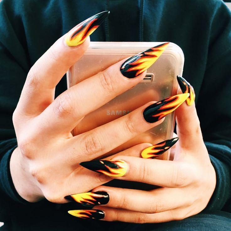 Nailart Nails Manucure Vernisaongle Flames Feu Flamesnailart Fire Rocknails Rockandroll Fire Nails Halloween Nails Nail Designs
