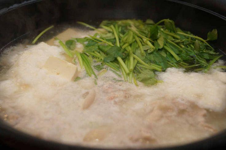 冬はやっぱり鍋料理!とろろが決め手の『豚バラとせりのとろろ鍋』レシピ