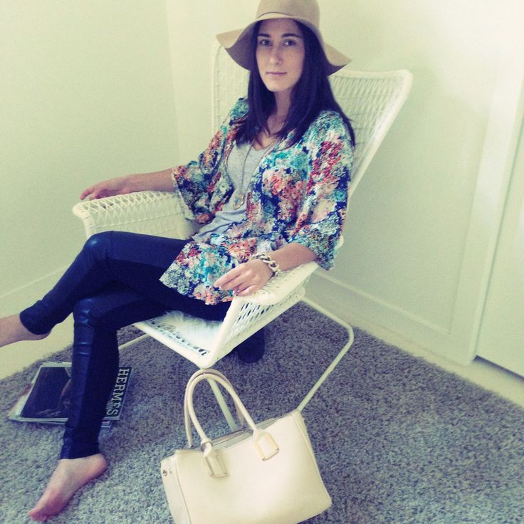Casual Saturday Style with a boho twist - Kimono, Faux Leather Legging, Wool Floppy Hat